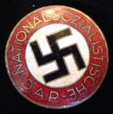 WWII GERMAN NSDAP MEMBERSHIP BADGE M1/163 BUTTON H