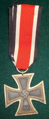 WWII GERMAN IRON CROSS 2ND CLASS, 1939