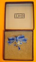 WWII GERMAN MOTHERS CROSS IN GOLD MINIATURE BOXED