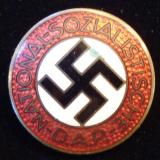 WWII GERMAN NSDAP MEMBERSHIP BADGE M1/159