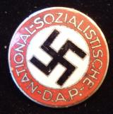 WWII GERMAN NSDAP MEMBERSHIP BADGE M1/136