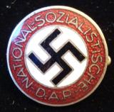 WWII GERMAN NSDAP MEMBERSHIP BADGE M1/130