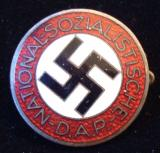 WWII GERMAN NSDAP MEMBERSHIP BADGE M1/14