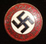 WWII GERMAN NSDAP MEMBERSHIP BADGE M1/127