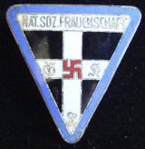 "WWII GERMAN FIRST PATTERN ""NAT SOZ FRAUNENSCHAFT"